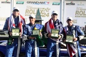 Helden von Daytona: Wilson / Negri /  Allmendinger /  Pew heißen die Sieger der 24 Stunden von Daytona 2012. Ein routiniert und schnell agierender AJ Allmendinger machte am Ende den Unterschied aus. ©Grand Am